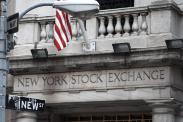 NYSE owner wants to let customers buy and hold Bitcoin