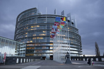 European Parliament calls for measures to boost blockchain adoption in trade
