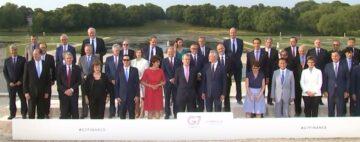 В Давосе Джордж Сорос объявил о борьбе с изменением климата и авторитарными правительствами